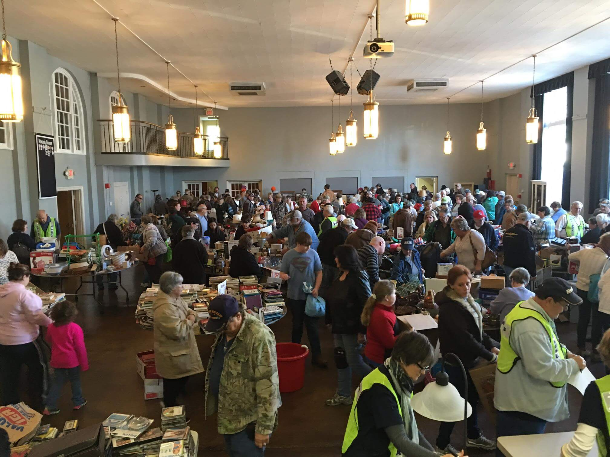Kiwanis Yard Sale to Benefit the Imagination Library